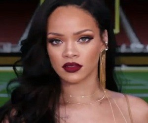 Rihanna in Super Bowl 50 Commercial