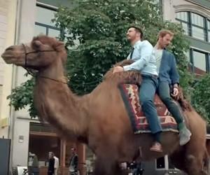 Volkswagen Passat GTE Camel Commercial