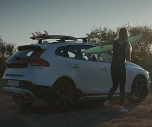 Volvo V40 Cross Country Commercial