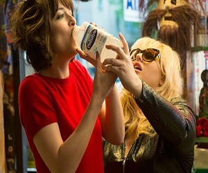 How To Be Single - Dakota Johnson & Rebel Wilson