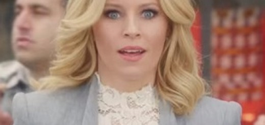Old_Navy_Elizabeth_Banks