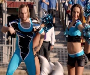 Foster's Commercial - Cheerleader