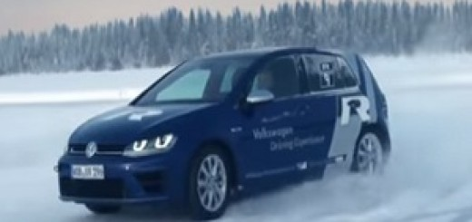 Volkswagen_Golf_R