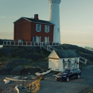 Volvo_XC90_Commercial