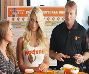 Hooters Fantasy Draf Party Commercial 2016