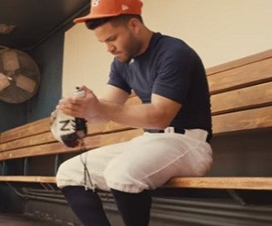 New Balance 3000V3 Give Me More Commercial 2016 - Jose Altuve