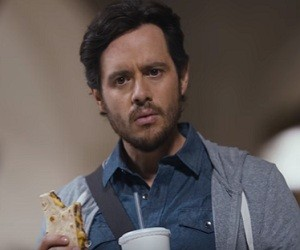 Taco Bell Steak Flatbread Sandwich Commercial 2016