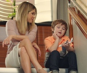 Emirates Airline A380 Commercial 2016 - Jennifer Aniston and little boy