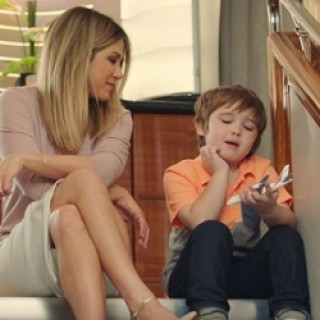 emirates_jennifer_aniston_boy
