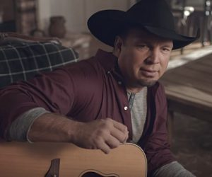 Amazon Echo Commercial - Garth Brooks