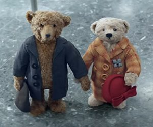 Heathrow Airport Christmas Advert - Teddy Bear Couple