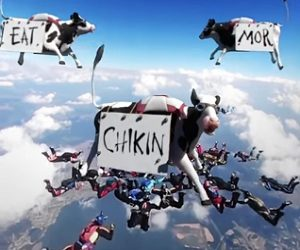 Chick-fil-A CowzVR Reality Commercial - Flying Cows