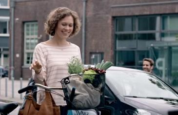 Volkswagen Commercial - Mother's Day Hugs