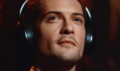 Sony Commercial: Headphones