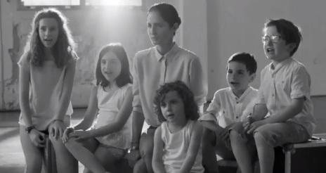 Carolina Herrera CH PINK Commercial