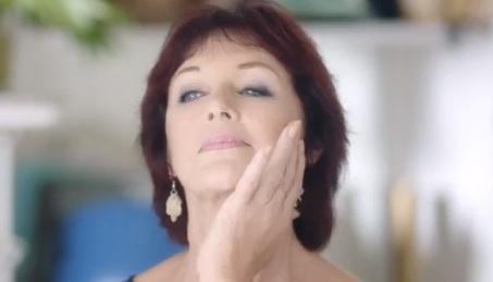 Publicité Nivea Vital - Femme