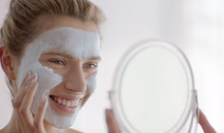 Clarins SOS Masks Advert