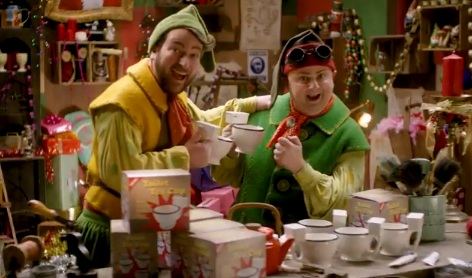 Specsavers Christmas TV Advert - Useless Elves