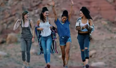 Skechers Commercial - Girls on Road Trip