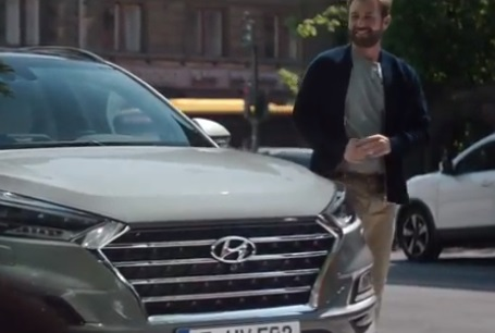 Hyundai Tucson TV Advert - Lucky Guy