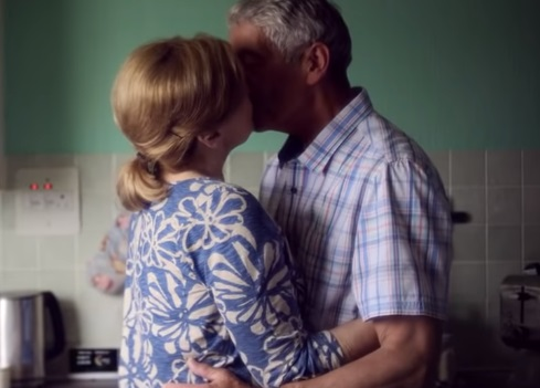 Smart Energy GB TV Advert - Couple Kiss