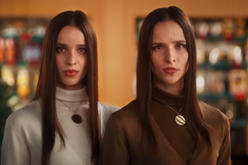 Starbucks Red Cup Commercial - Twins