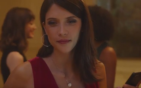 Zales Commercial - Girl in Red Dress