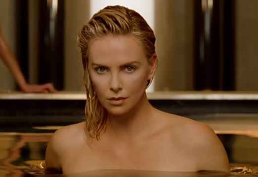 Dior J'Adore Absolu Commercial - Charlize Theron Getting Out Pool