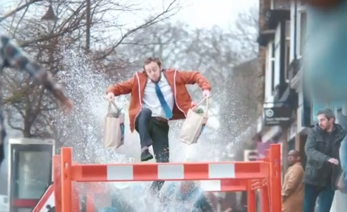 Aldi TV Advert - Man Running After Bus