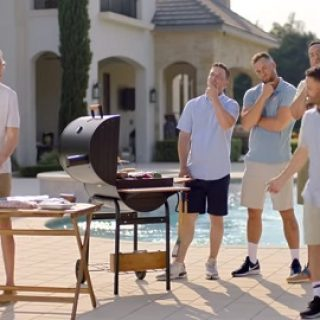 Who is the voice in the truvia commercials - answers.com