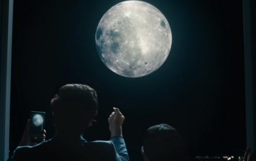 Huawei P30 Commercial - Man Catching the Moon