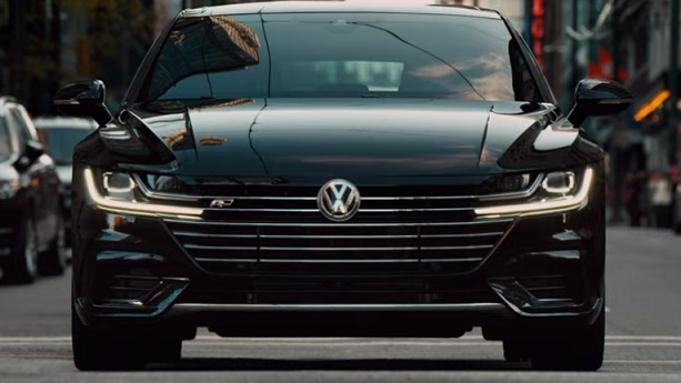 Volkswagen Arteon Commercial