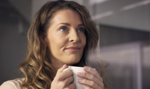 IKEA VARDAGEN Dinnerware Commercial Actress
