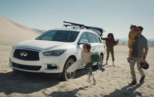 INFINITI QX60 Commercial - Family Sandboarding in the Desert