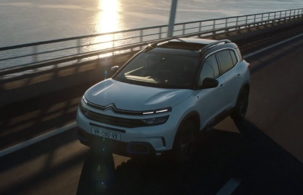 Citroën C5 AIRCROSS Plug-In Hybrid SUV Advert