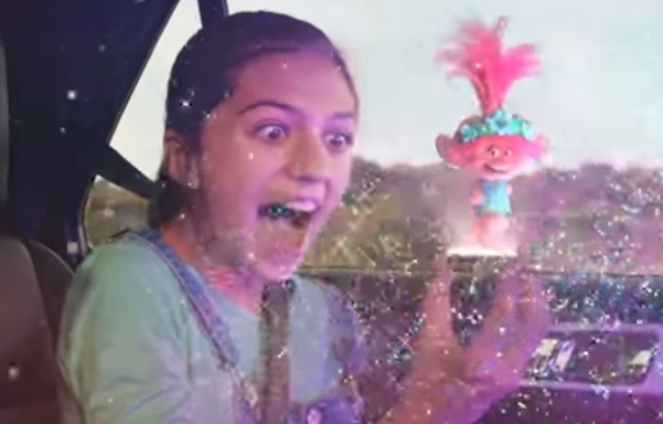 OREO TROLLS WORLD TOUR Cookies Commercial Girl