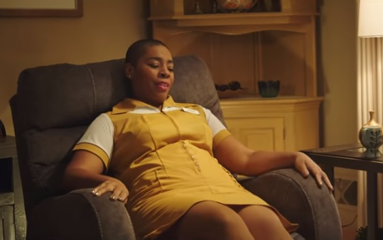 Aaron's Commercial - Woman in Yellow Dress Tracy