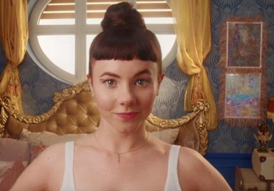 Sloggi Oxygene Infinite Bra TV Advert - Girl with Bangs