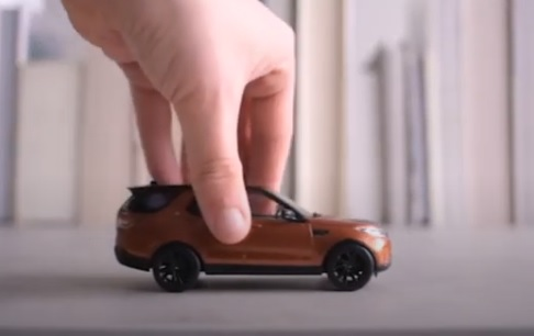 Land Rover Commercial / Advert - Feat. Tiny Land Rover Discovery Toy Model