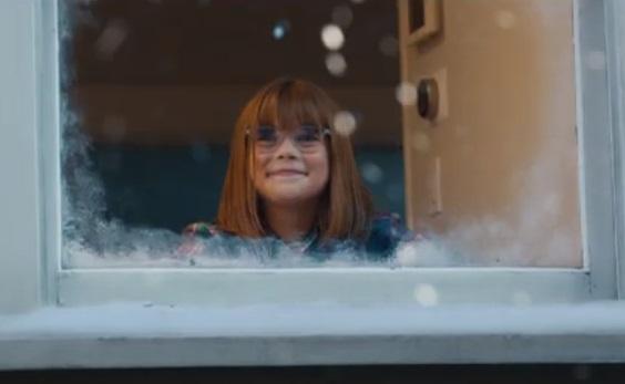 Kohl's Christmas Commercial Girl