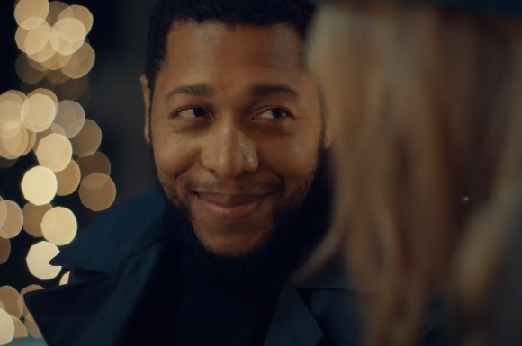 Pandora Christmas Commercial / TV Advert - Feat. Actor Keith Eric Chappelle