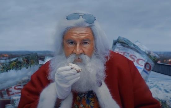 Tesco Christmas Advert Santa - Oops!... I did it again
