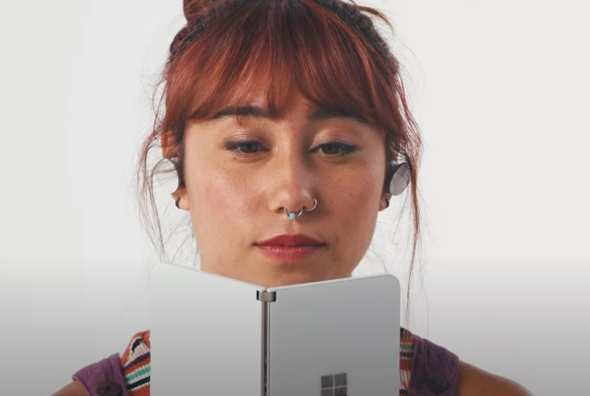 Microsoft Surface Duo Commercial Girl