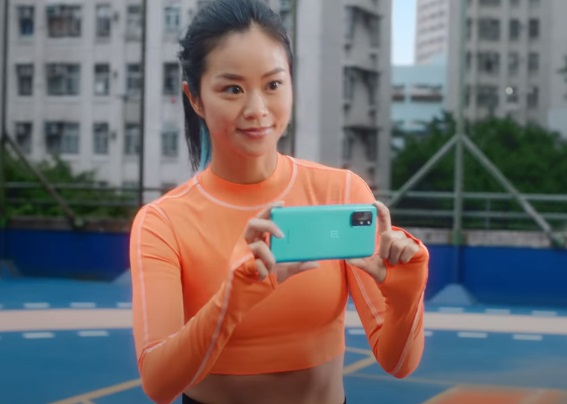 OnePlus 8T Commercial Girl