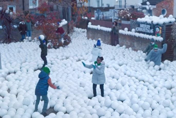 Sky Sports Festive Football Snowballs Advert Song