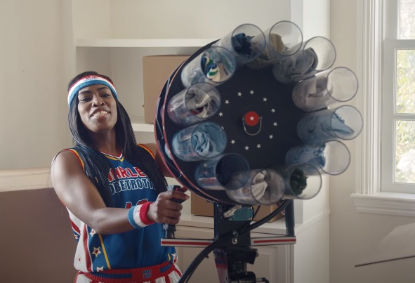 GEICO Harlem Globetrotters Moving Co. Commercial - Fatima TNT Lister