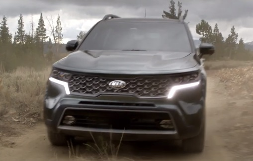Kia Sorento Midsize SUV Bear and Eagle Commercial