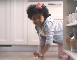 Swiffer Wetjet Commercial Song 2017 Little Girl Chasing Frog